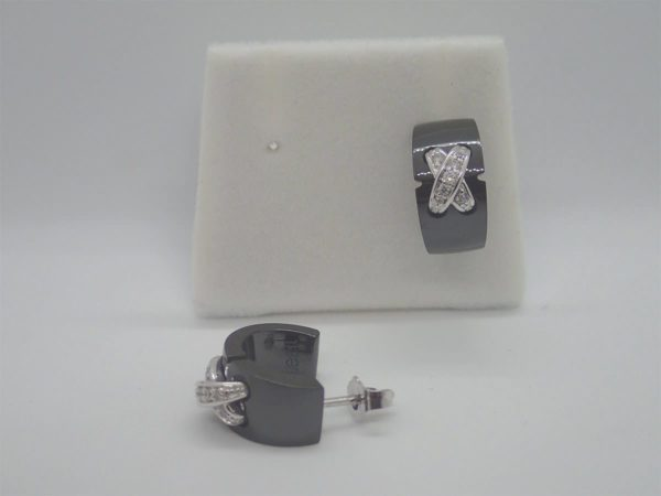 Boucles d'oreille d' occasion JEELL ceramique noire et or blanc 18k 750/000