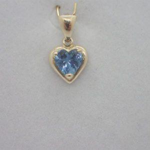 Pendentif Coeur Topaze Bleu
