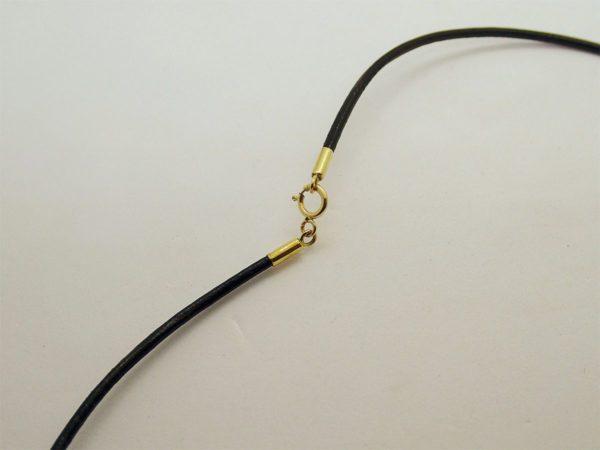 Collier d' occasion cordon noir