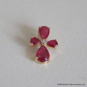Croix Or 18k 750 Compose De 4 Rubis De 0.029 Carat Et 0.11 Carat