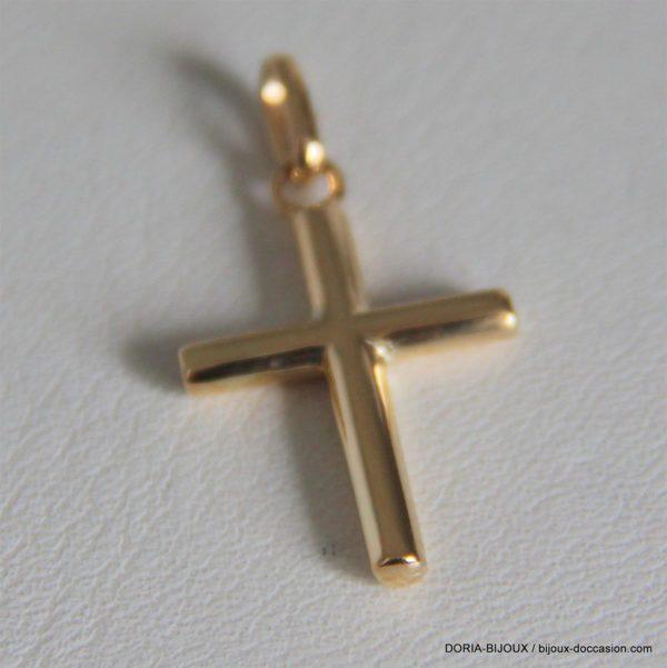 Pendentif croix d'occasion en or jaune 18k