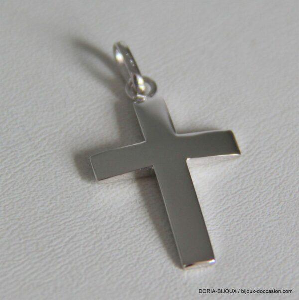Pendentif croix or gris 18k, 750/000 - 3.25grs