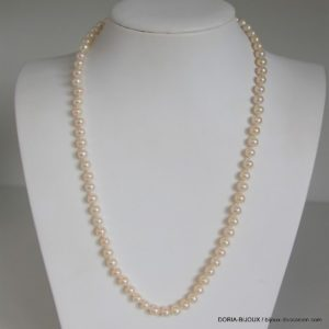 Collier de 78 perles de 5.50mm 50cm