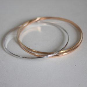 Bracelet rigide 3 anneaux 3 ors 18k- 750 - 12.25grs