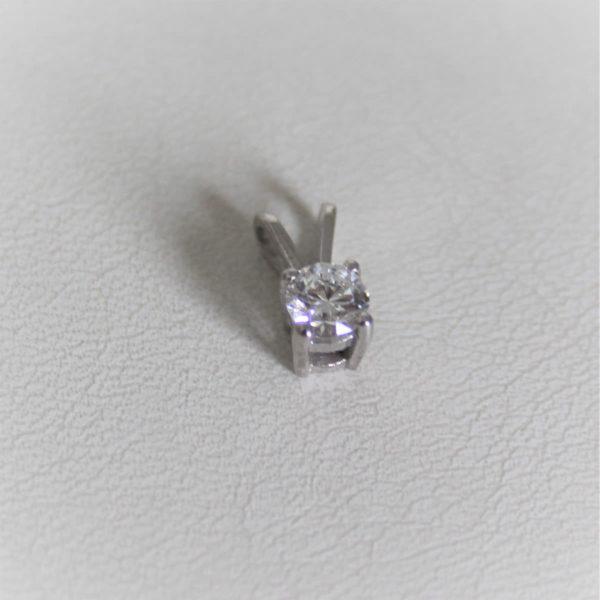 Pendentif or blanc 18k 750 solo  diamant 0.30 carats